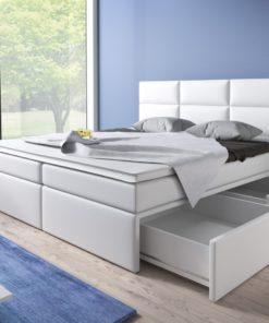 Čalouněná manželská postel Isara